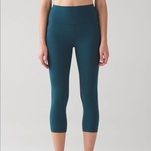 Lululemon Align Crop Leggings in Alberta Lake 8